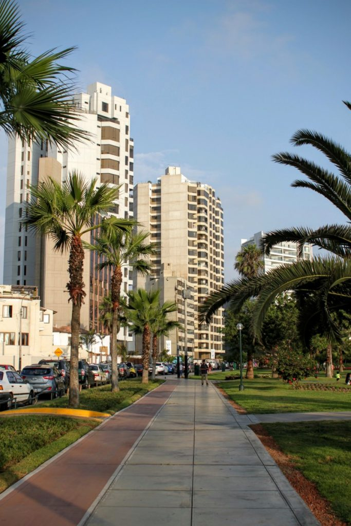 Highrise apartments and hotels, bars, and an almost calm atmosphere separates MiraFlores from the rest of Lima