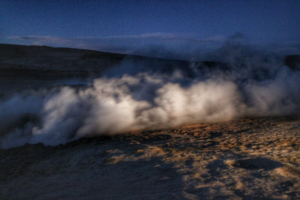 It is difficult to photograph geysers in the dark